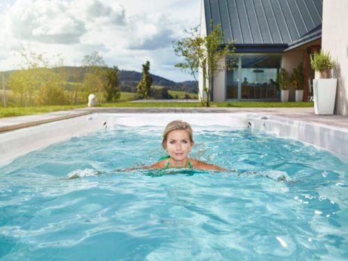 Warum braucht ein Whirlpool einen Ozonator oder eine UV-Wasserdesinfektion