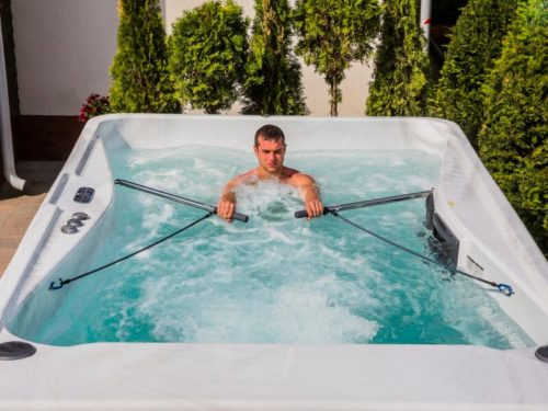 Welche Beschwerden können mit einem Bad im Whirlpool behandelt werden?